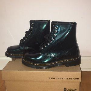 COPY Doc Marten Farrah Glitter boot